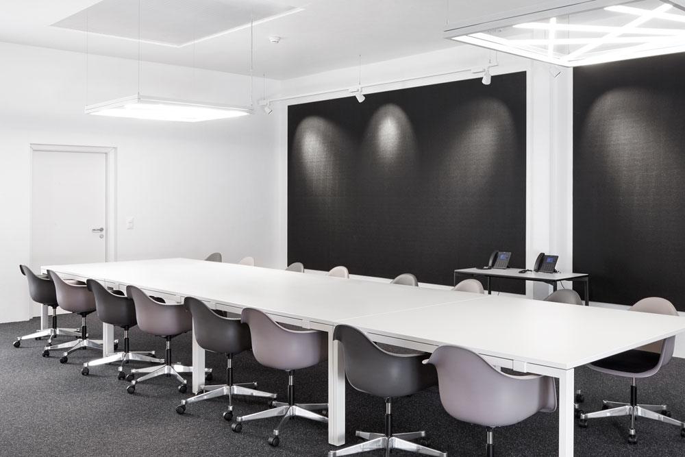 1569403023_Boardroom-02.jpg