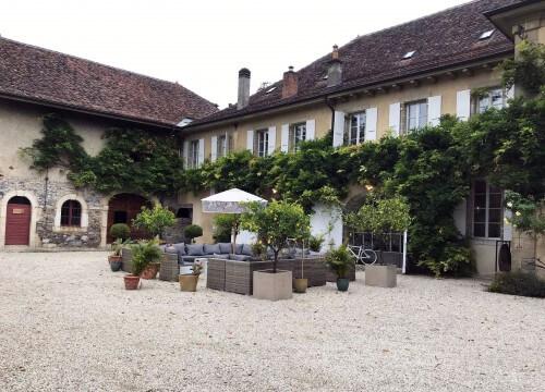 1570741720_chateaudefechy-cour-vaud-suisse.jpeg